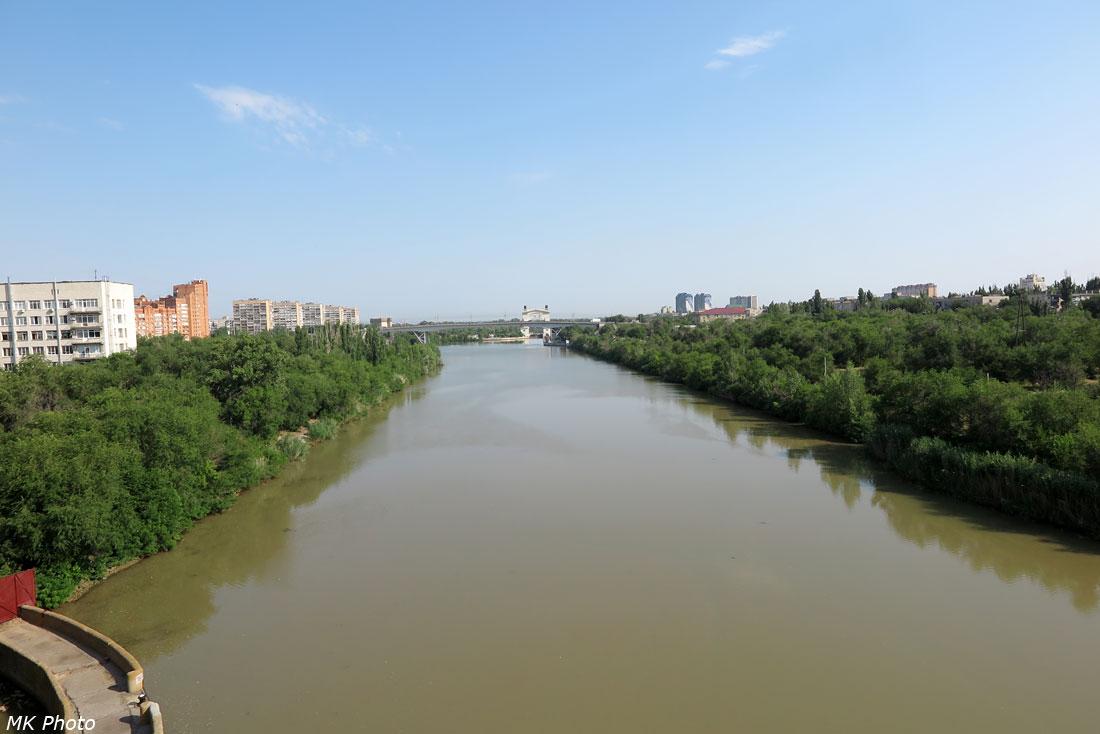 Грязные воды канала
