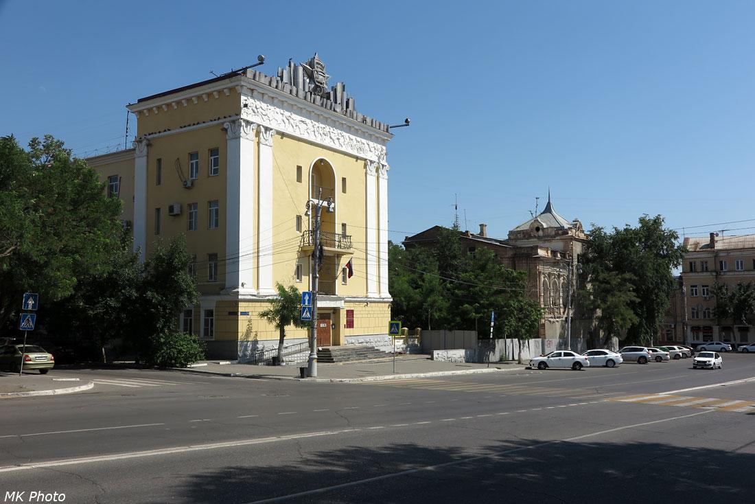 Здания на пл. Ленина