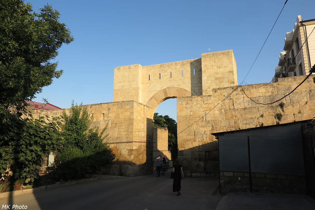 Стена древнего города