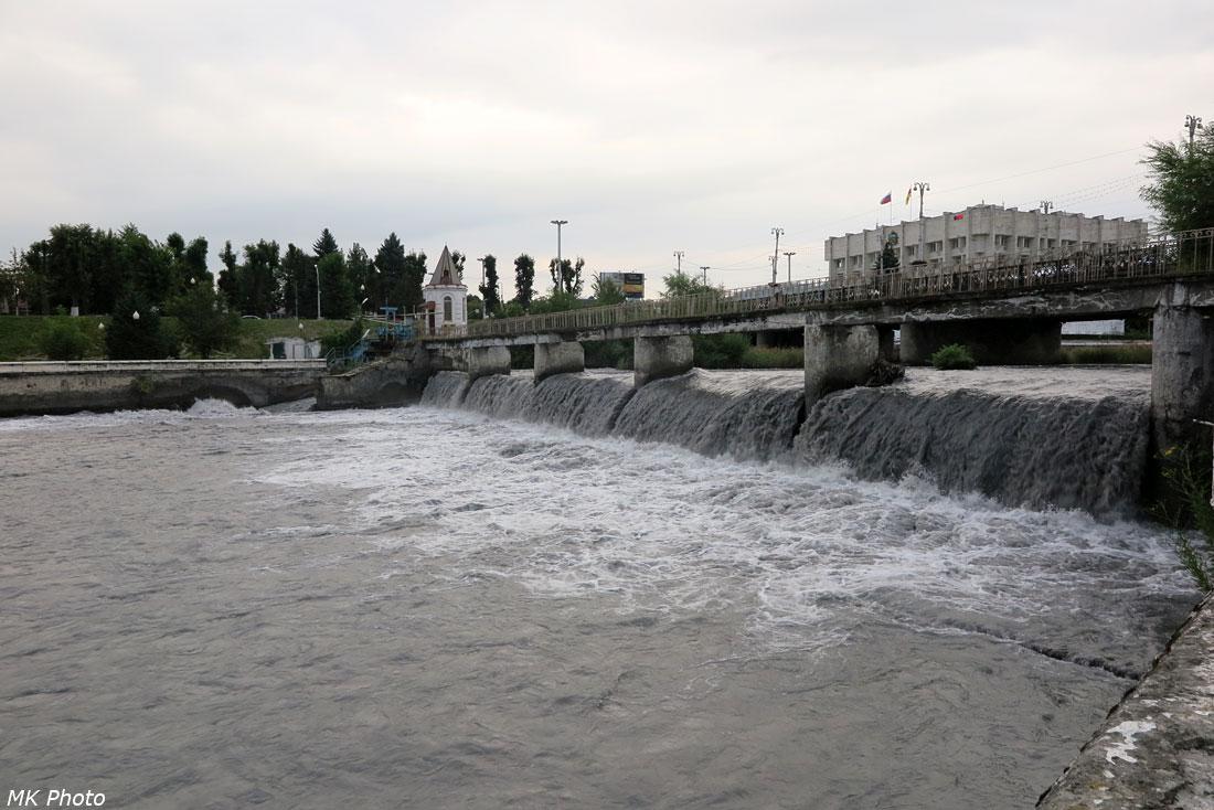 Хмурый Терек во Владикавказе